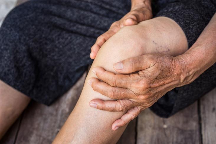 تفاوت ارتروز،پوکی استخوان و التهاب مفاصل در سالمند-نگهدار سالمند
